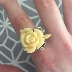 Vintage lucite creamy carved 3-D rose ring